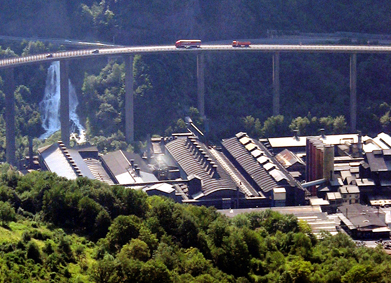 L'usine de Chedde et le viaduc des Egratz, F. Tobé ©